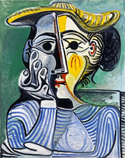 Femme Au Chignon et Au Chapeau