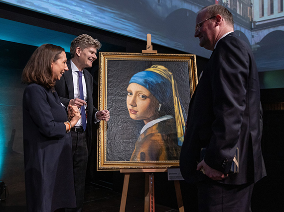 Painting commissioned through KOSH mArt displayed in Switzerland by Invesco